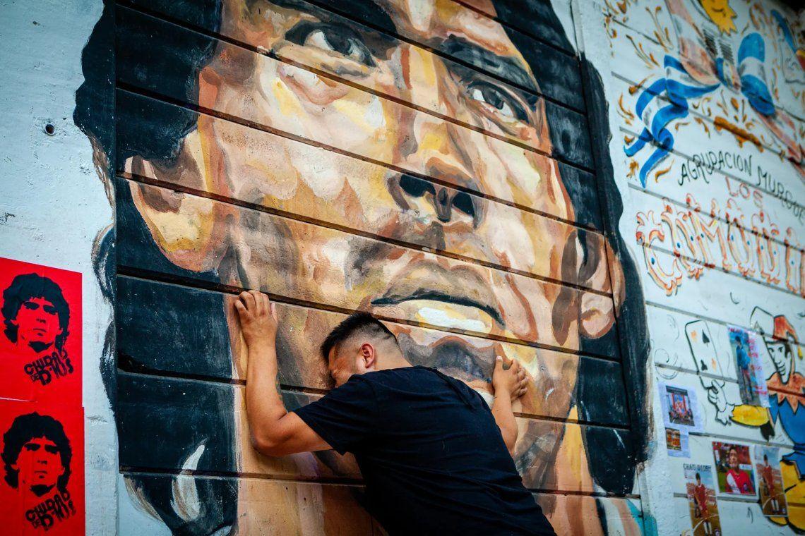 La gente rinde homenaje a Maradona en Buenos Aires