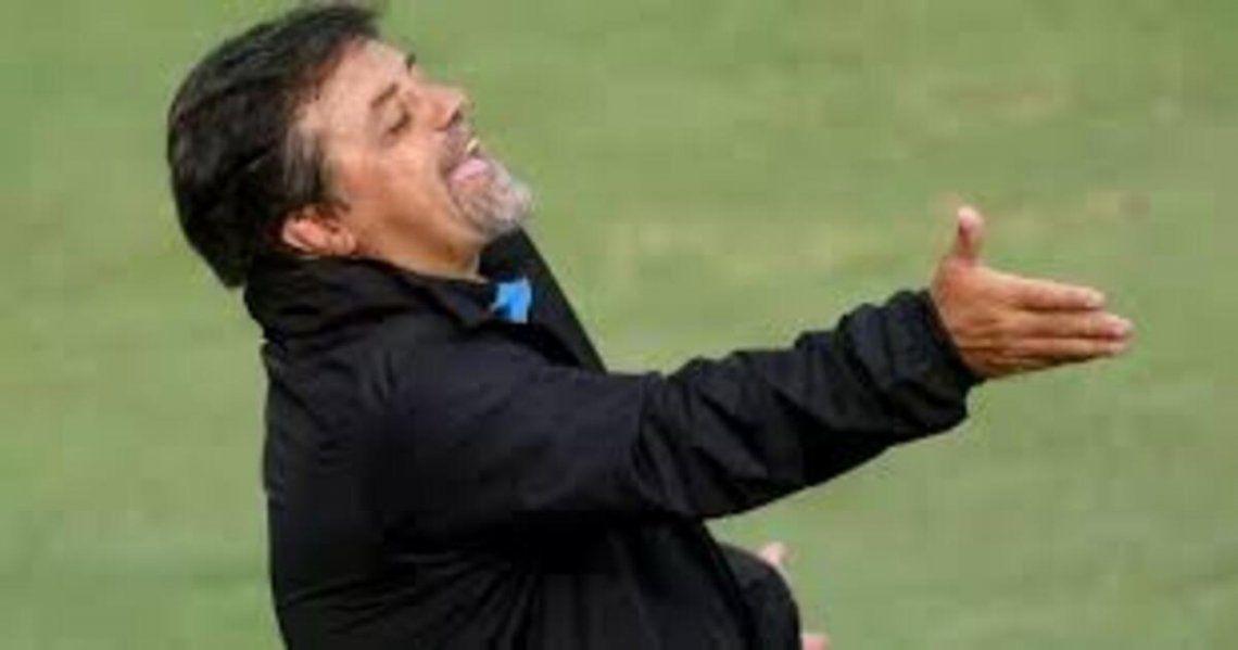 Ricardo Caruso Lombardi presentó su denuncia como DT de Belgrano.