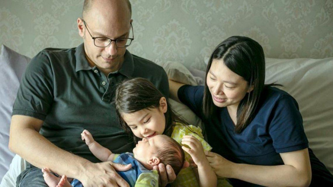 Javier Pérez y su familia en China