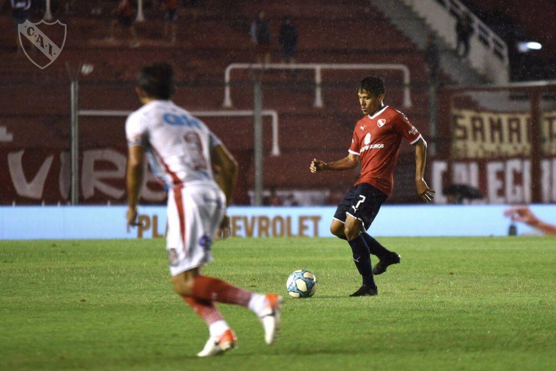 Independiente mantiene las chances tras el empate de Boca y River
