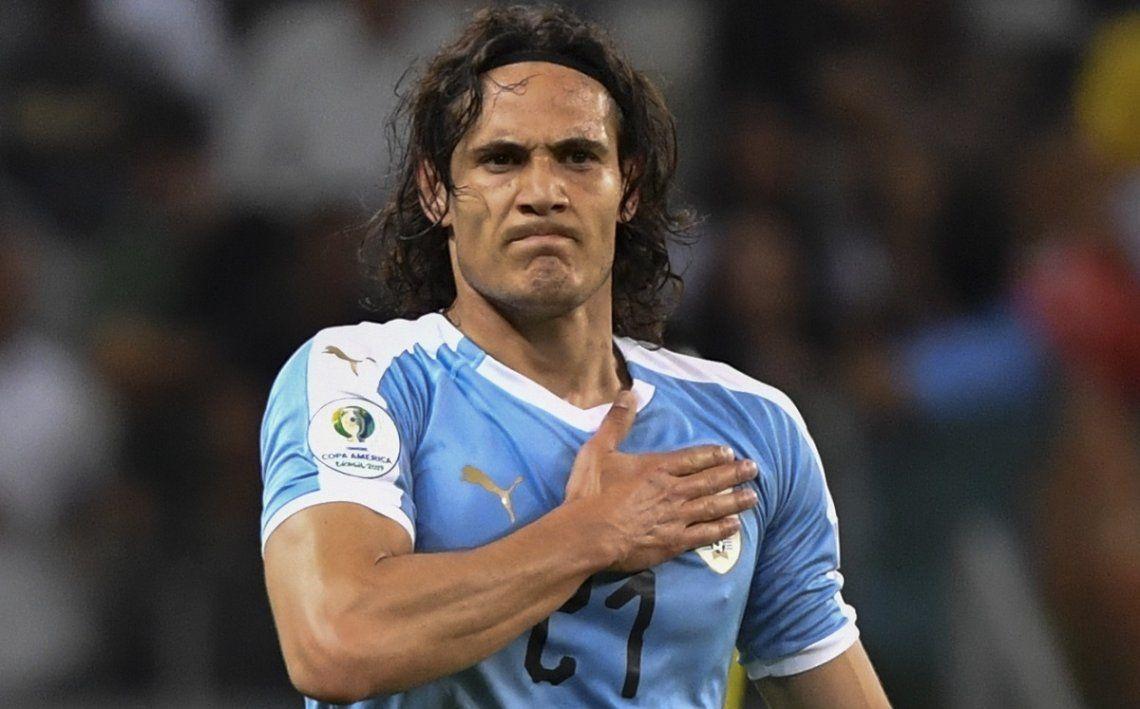 Cavani:Futbolistas uruguayos lo defienden y critican la sanción.