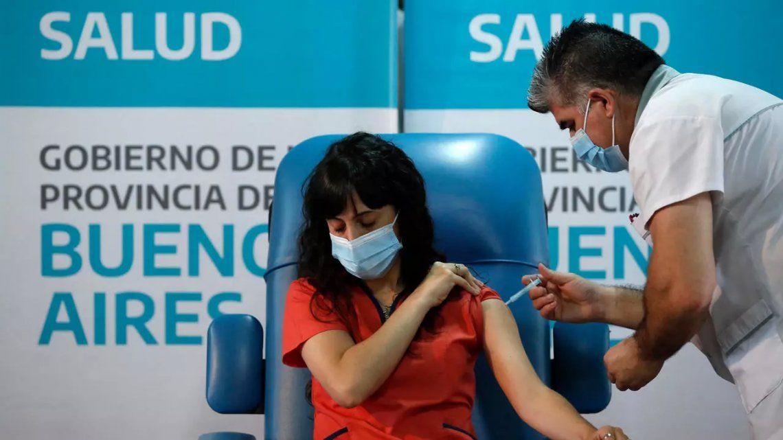 Argentina bien posicionada en ránking de vacunación contra el coronavirus