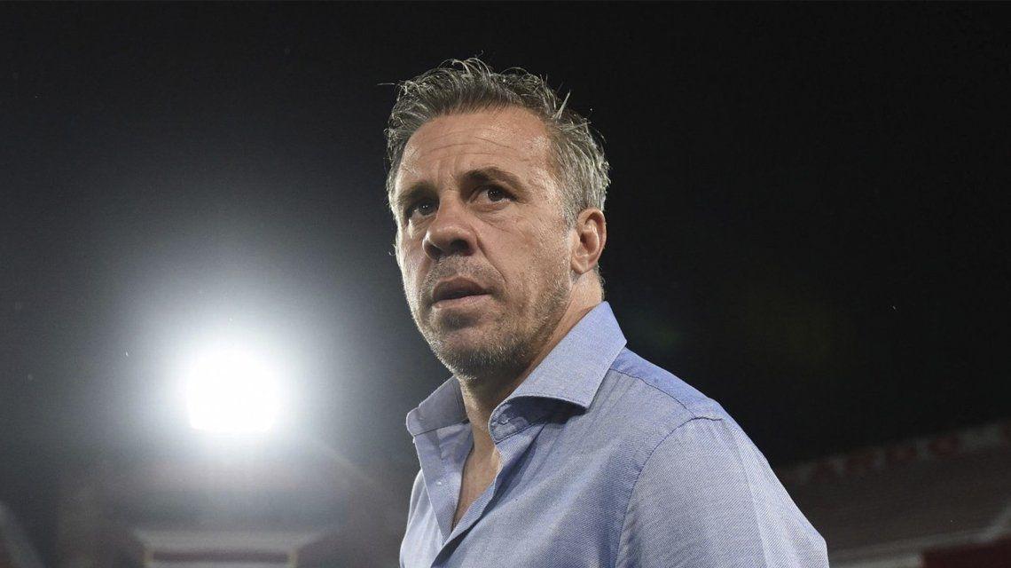Lucas Pusineri dejó de ser el DT de Independiente.