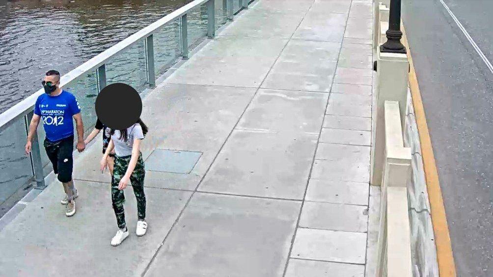 El paso del femicida quedó registrado por una de las cámaras del Centro de Operaciones Tigre