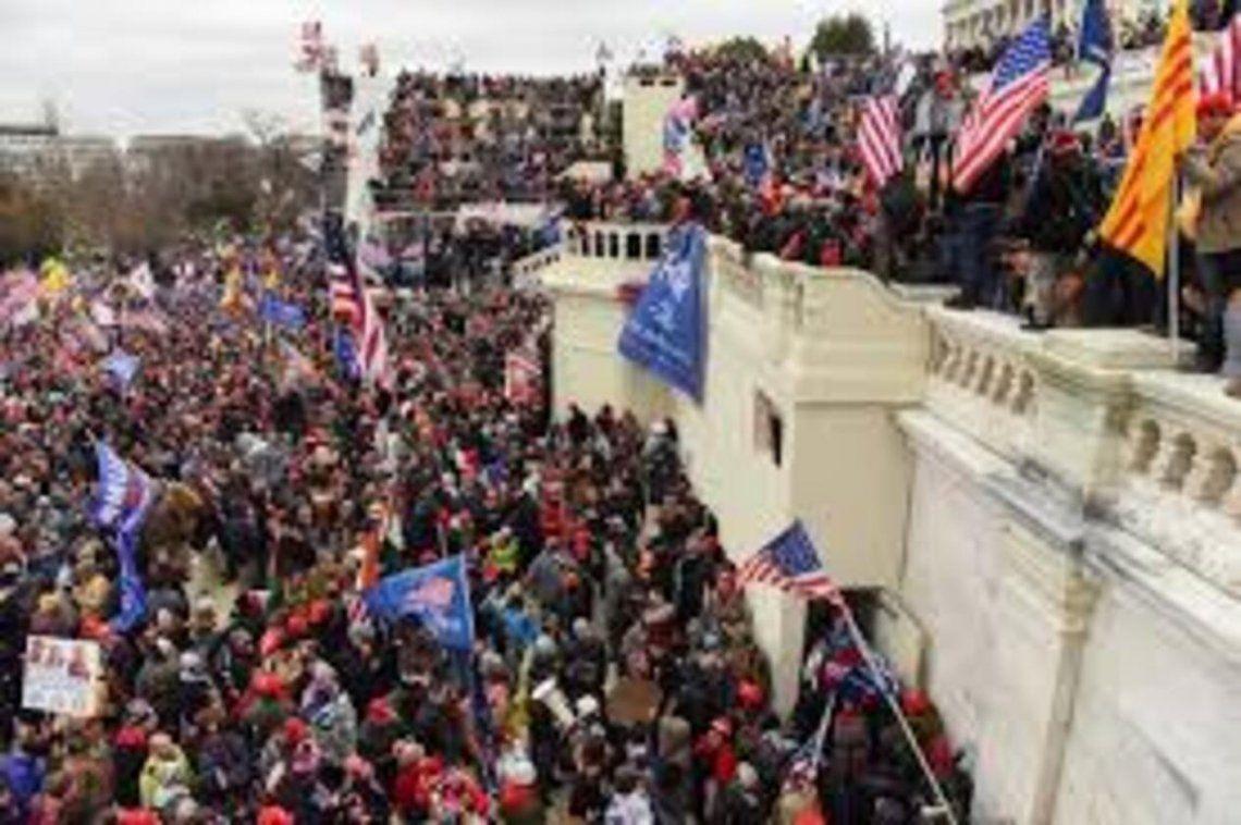El FBI alertó el ataque al Capitolio por partidarios de Trump.