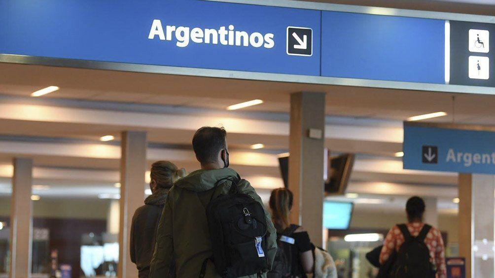Coronvirus: prohíben vuelos a Gran Bretaña.
