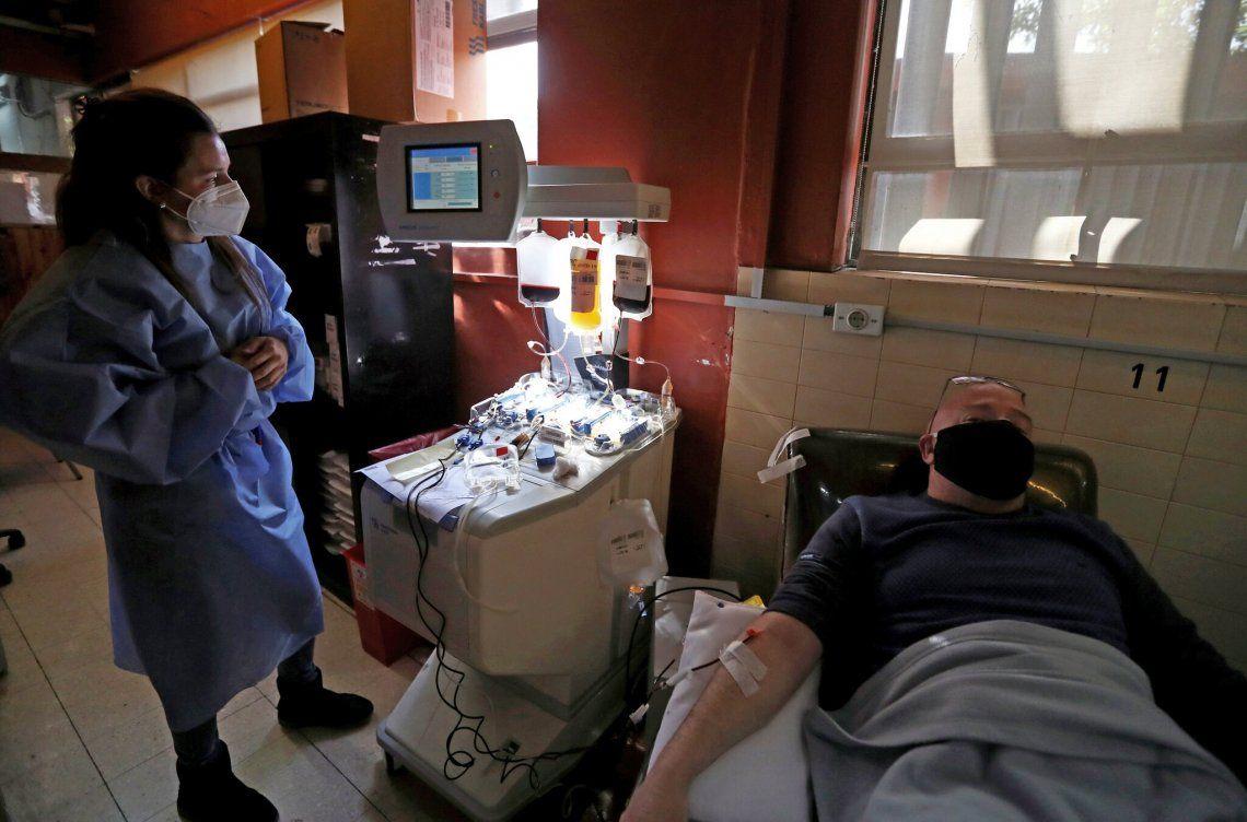 The New York Times destacó el tratamiento con plasma sanquíneo