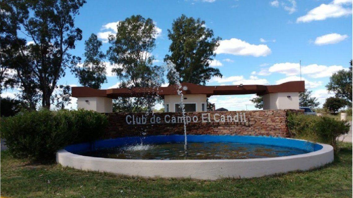 """Ingreso al country """"El Candil"""""""