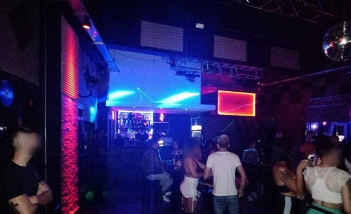 Ciudad: clausran un boliche bailable en Villa Santa Rita.