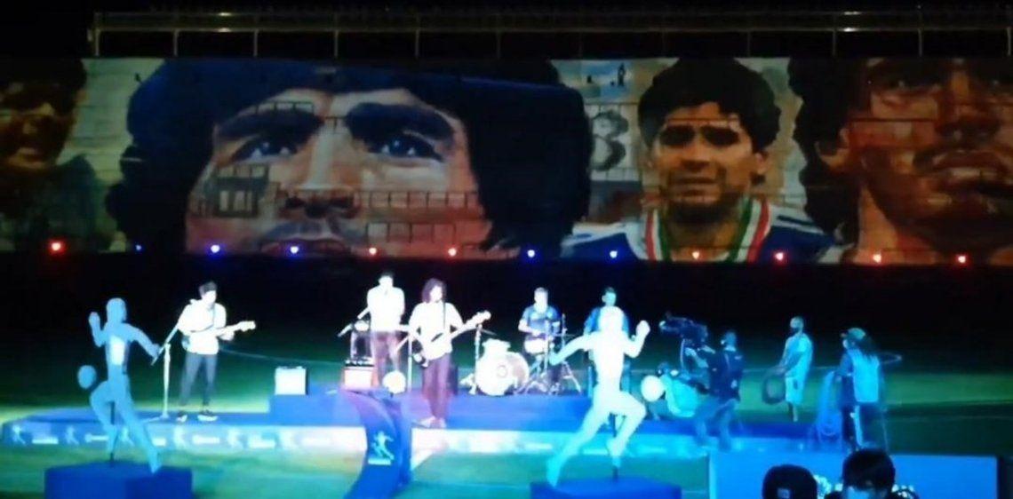 Emotivo homenaje a Diego Maradona antes de la final.