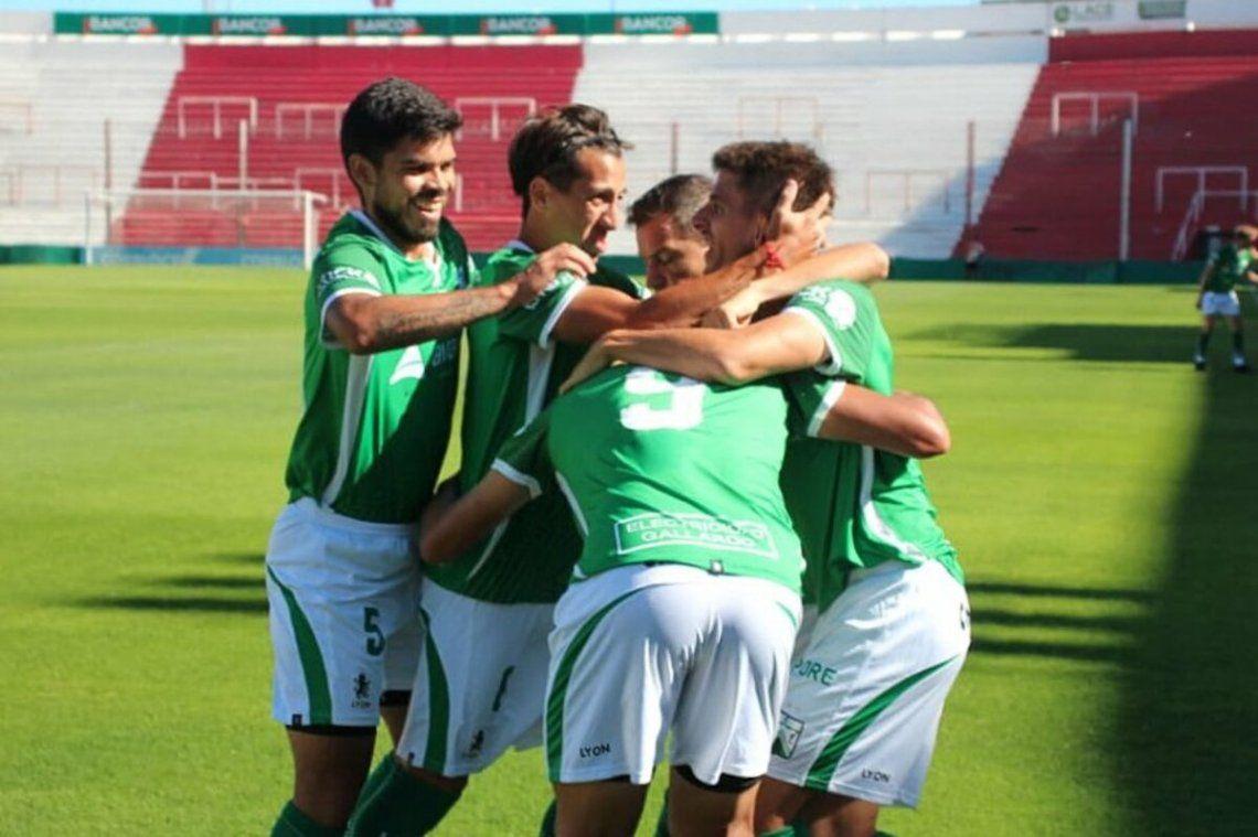 Ferro goleó a Gimnasia (M) en la primera fase del reducido de Primera Nacional.