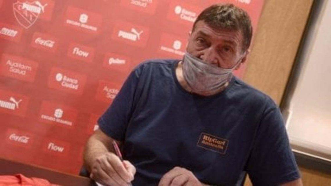 Julio César falcioni firmó con Independiente