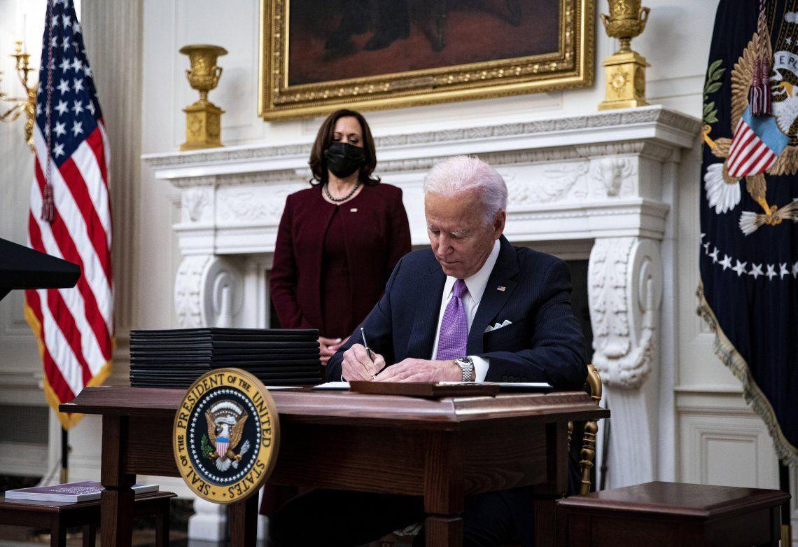 Joe Biden anuló una medida de Trump.