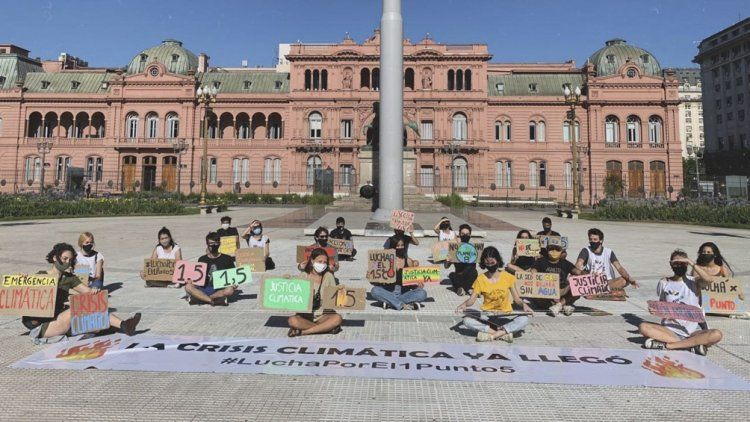 En diciembre pasado, Jóvenes por el Clima Argentina se sumó a la campaña mundial para exigir que se cumpla con el Acuerdo de París.
