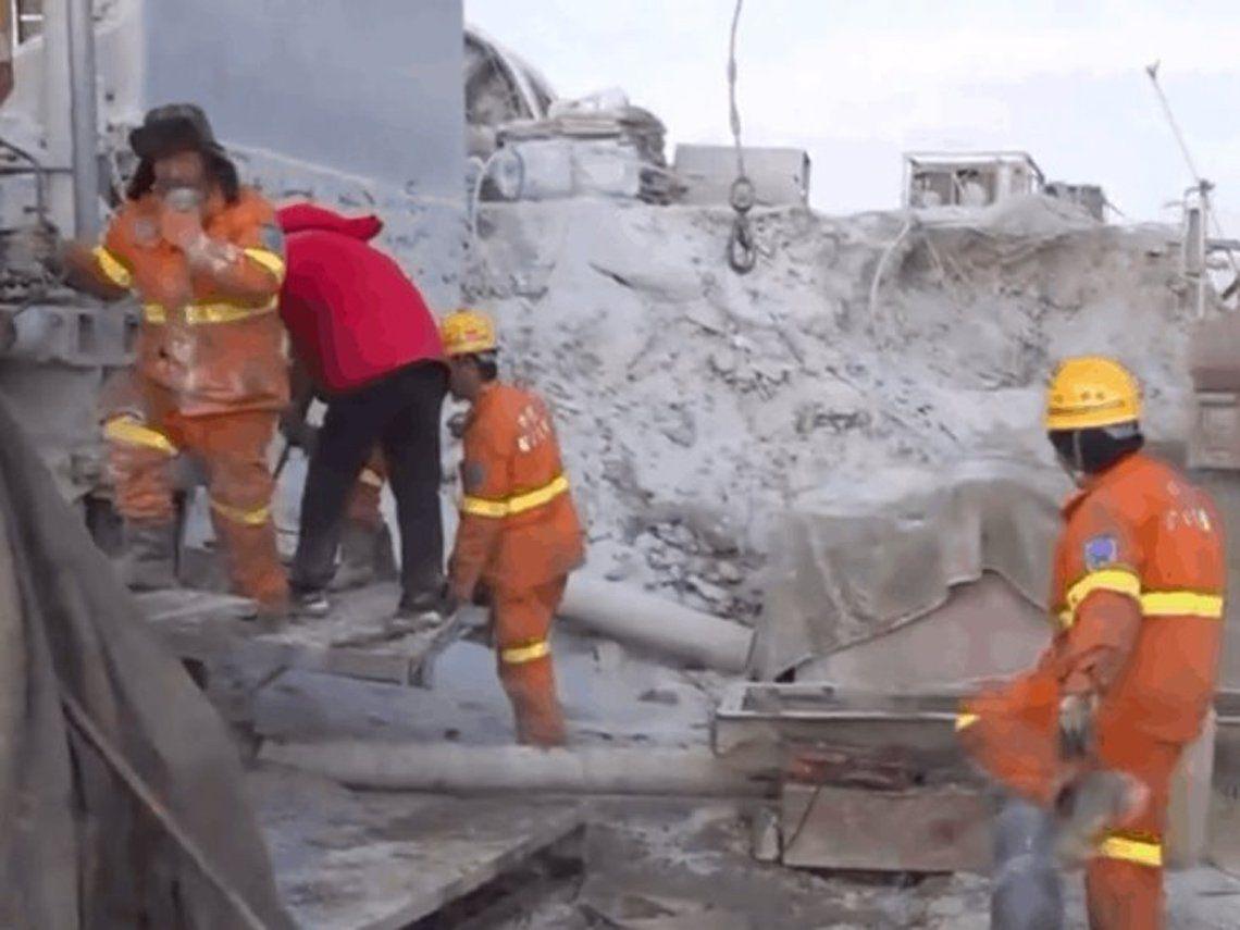China: mineros atrapados.