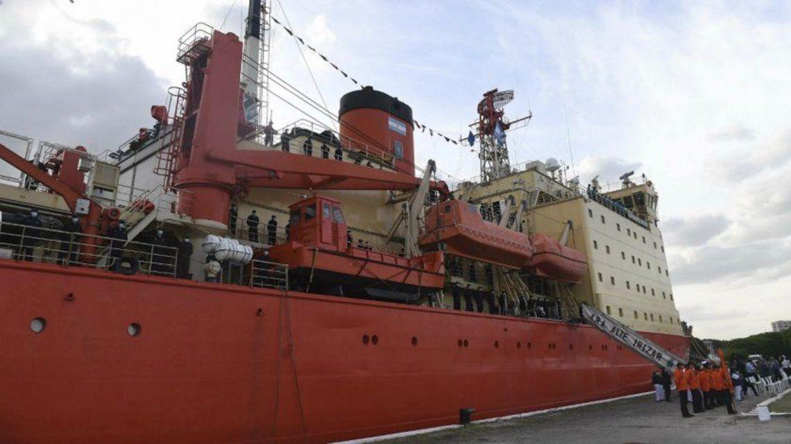 Campaña Antártica: El ARA Almirante Irízar rumbo a la base Belgrano