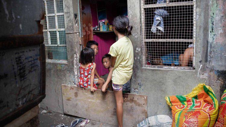 Filipinas: Senadores deberán votar para elevar de 12 a 16 años la edad de consentimiento sexual.
