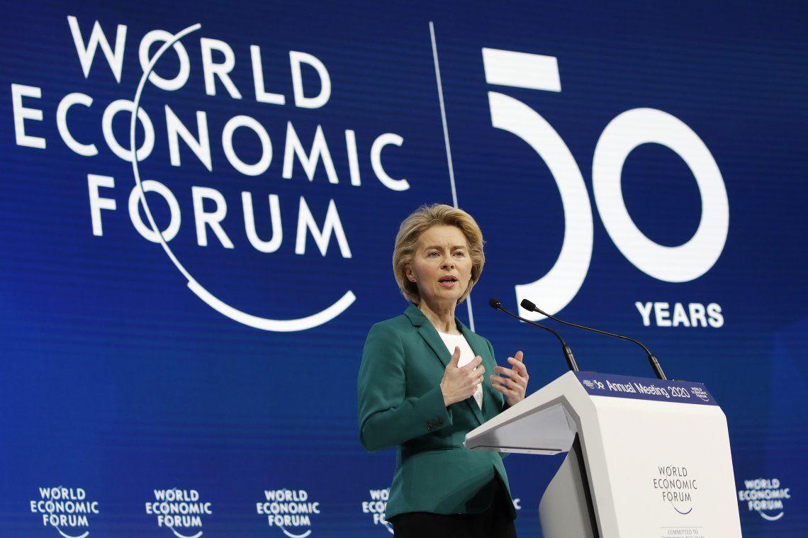 La Unión Europea pidió a EEUU apoyo para frenar el poder de Facebook y Twitter.