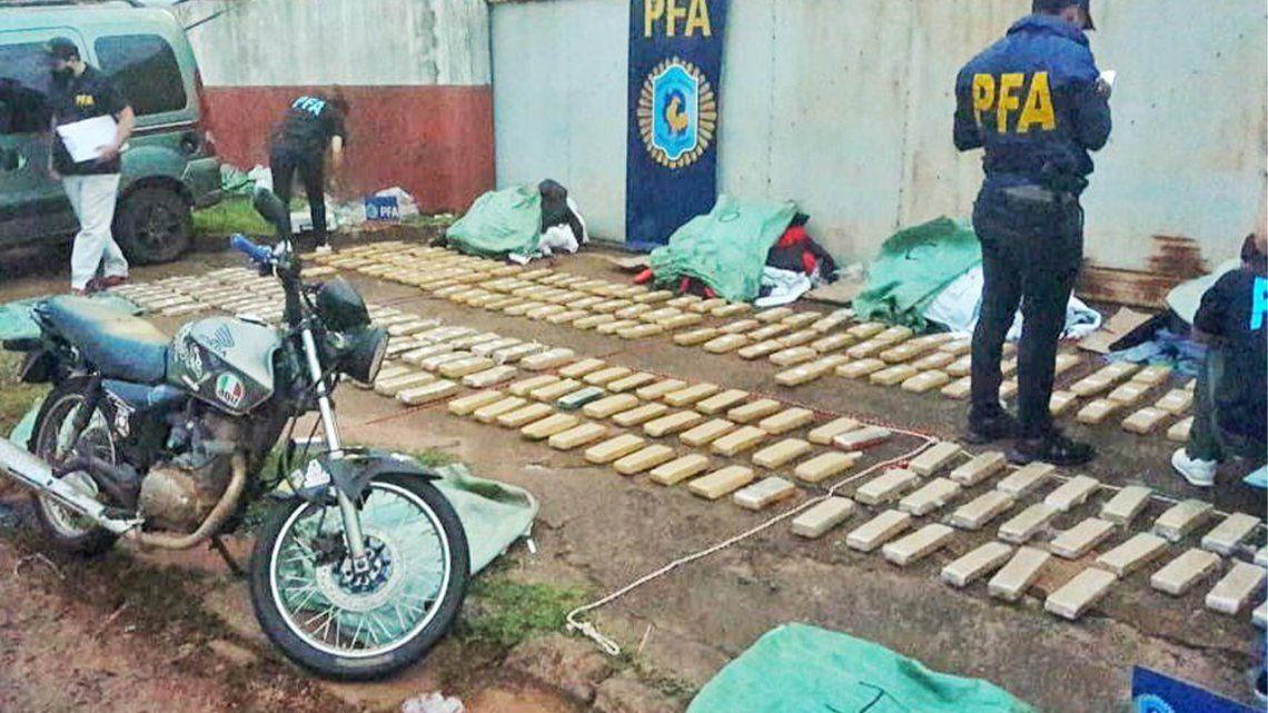 Dos personas detenidas y más de 180 kilos de marihuana secuestrada fue el saldo que dejó un control vehicular en Puerto Iguazú.