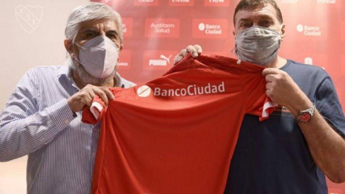 Julio César Falcioni quiere jugadores de altura y con experiencia para Independiente