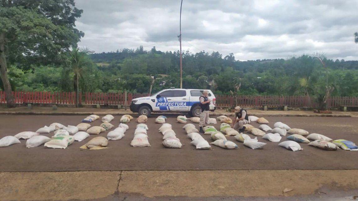 Prefectura secuestro 10 Tn de soja y maiz ilegal