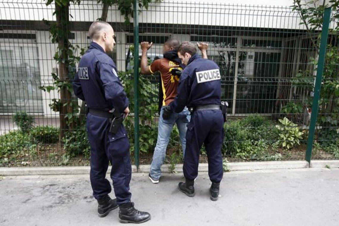 Francia: primera demanda colectiba contra la Policía por racismo