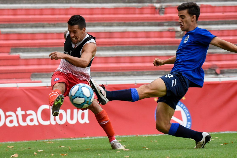 Argentinos Juniors venció a Gimnasia y Esgrima La Plata 2-1 en un amistoso