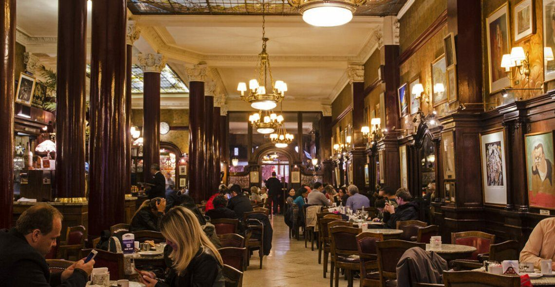 Interior del Café Tortoni