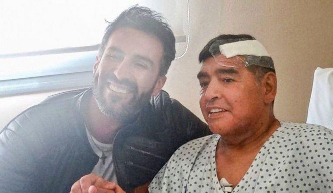 Diego Maradona en la Clínica Olivos