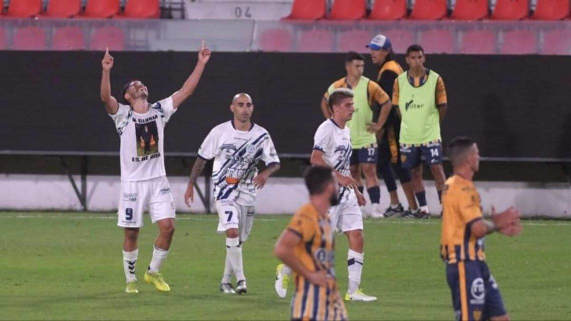 Deportivo Merlo vuelve a Primera B.