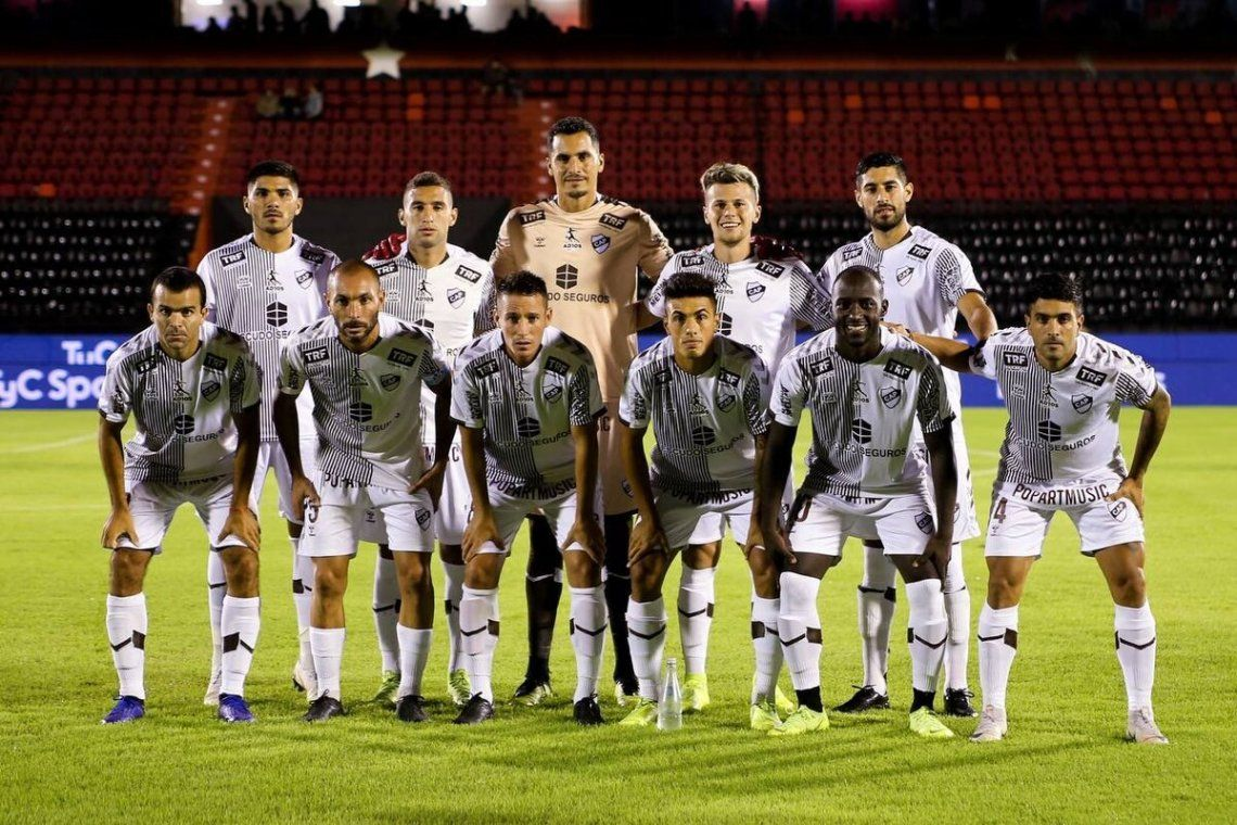 Platense volvió a Primera División