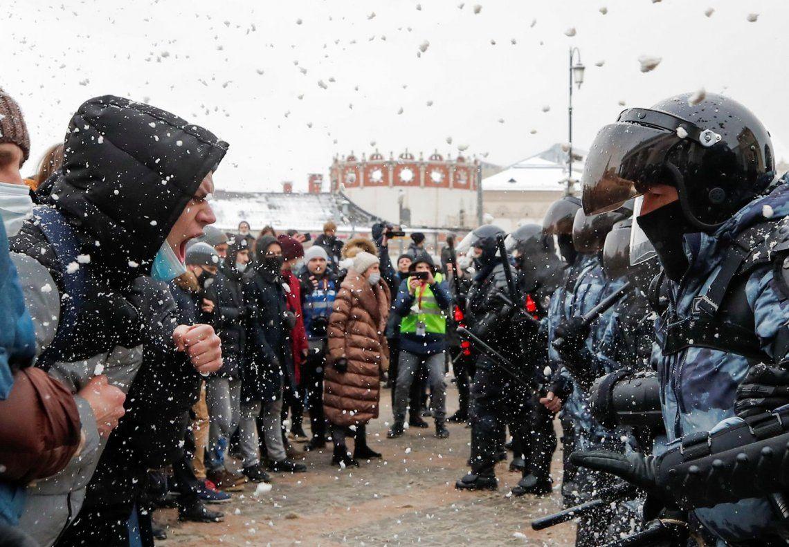 Los choques entre la policía y los seguidores de Navalni se repitieron en toda Rusia.