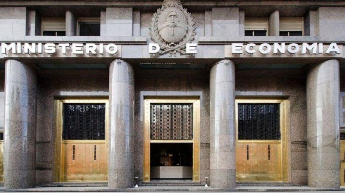 El Ministerio de Economía informó que en enero hubo superávit fiscal primario.
