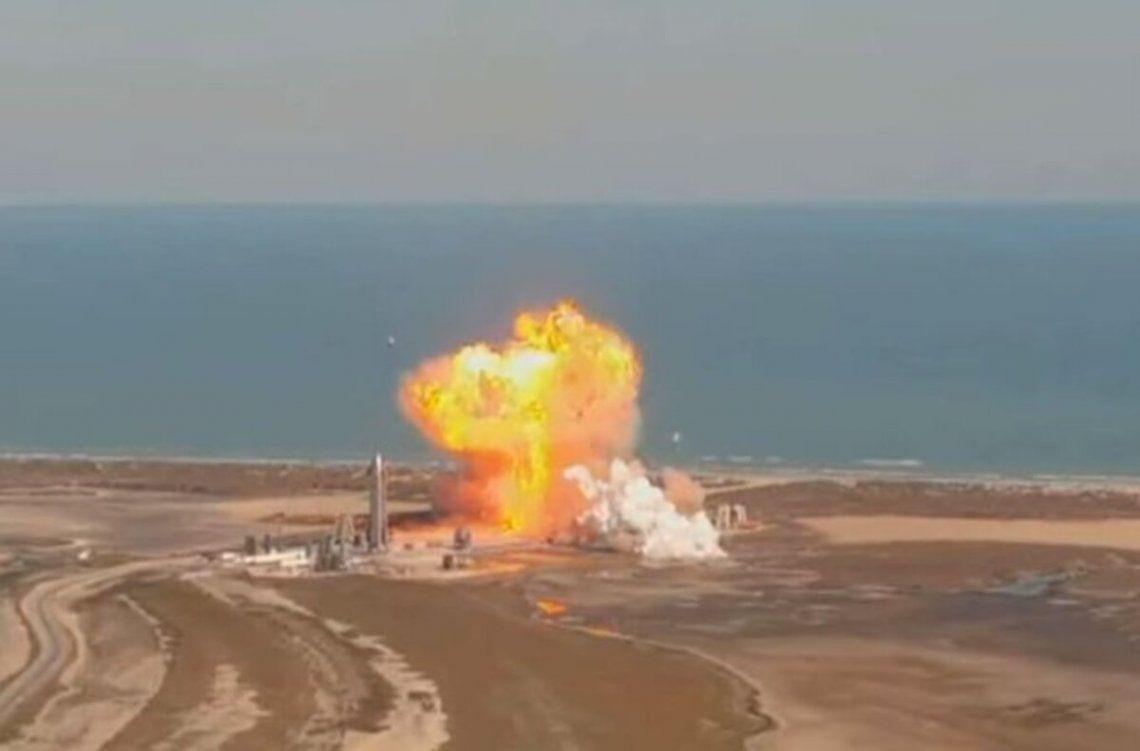 SpaceX: Explotó un prototipo al aterrizar