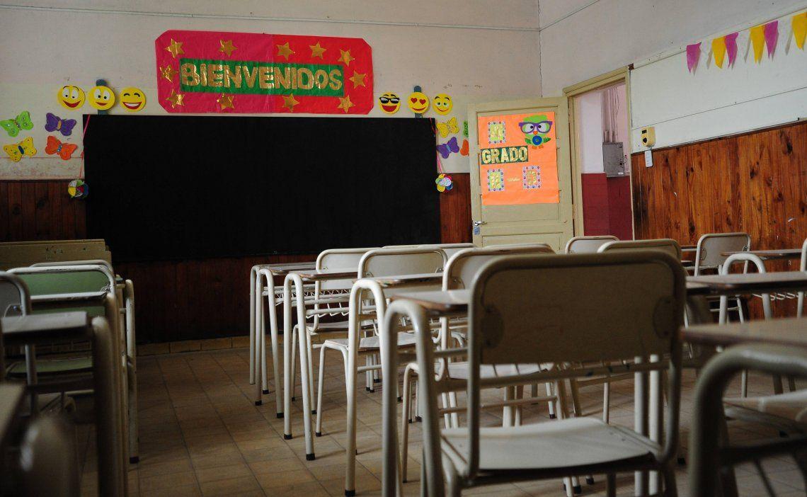 Educación: Amparo para que docentes de más de 60 años de la Ciudad trabajen en forma remota