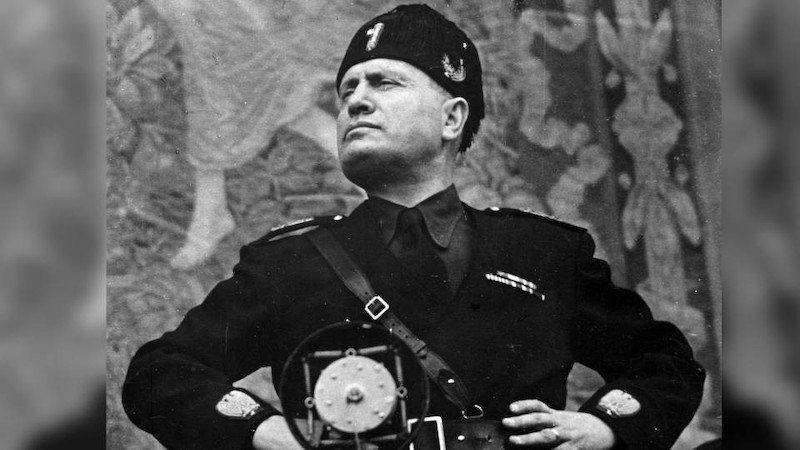Benito Mussolini fue un militar dictador que estuvo a frente de Italia entre los años 1922 y 1943.