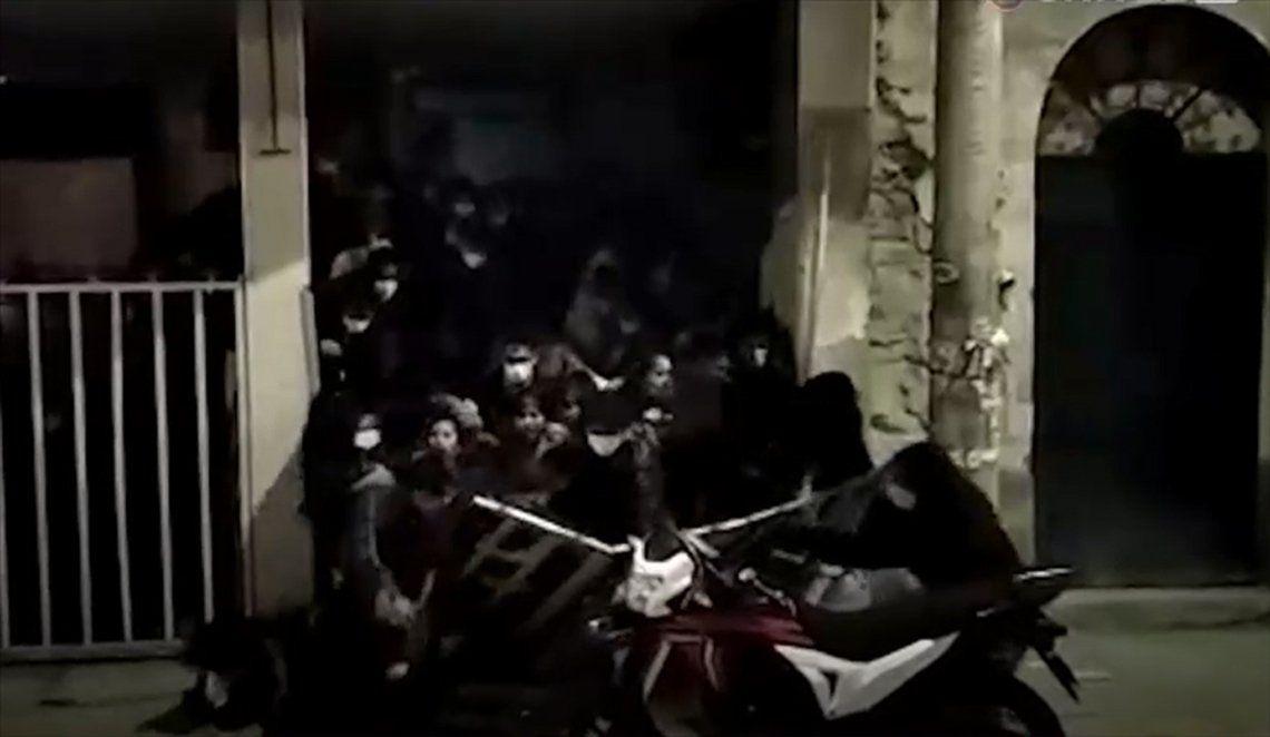 Bolivia: fiesta clandestina.