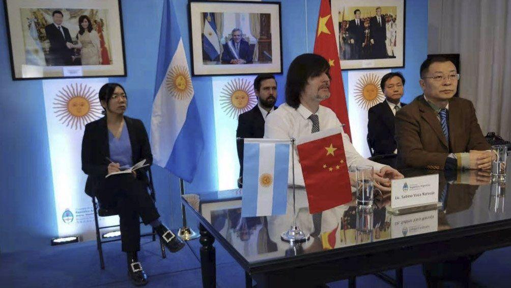 Argentina firmó con empresa china para producir autos eléctricos en el país
