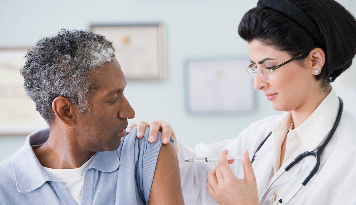 Estiman que ya se vacunaron contra el Covid-19 a unas 105 millones de personas