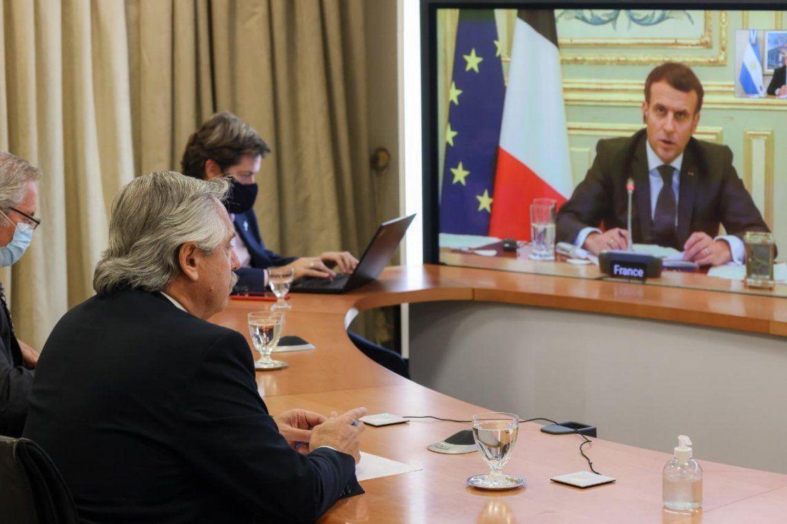Fernández dialogó con Macron sobre la vacuna y el FMI