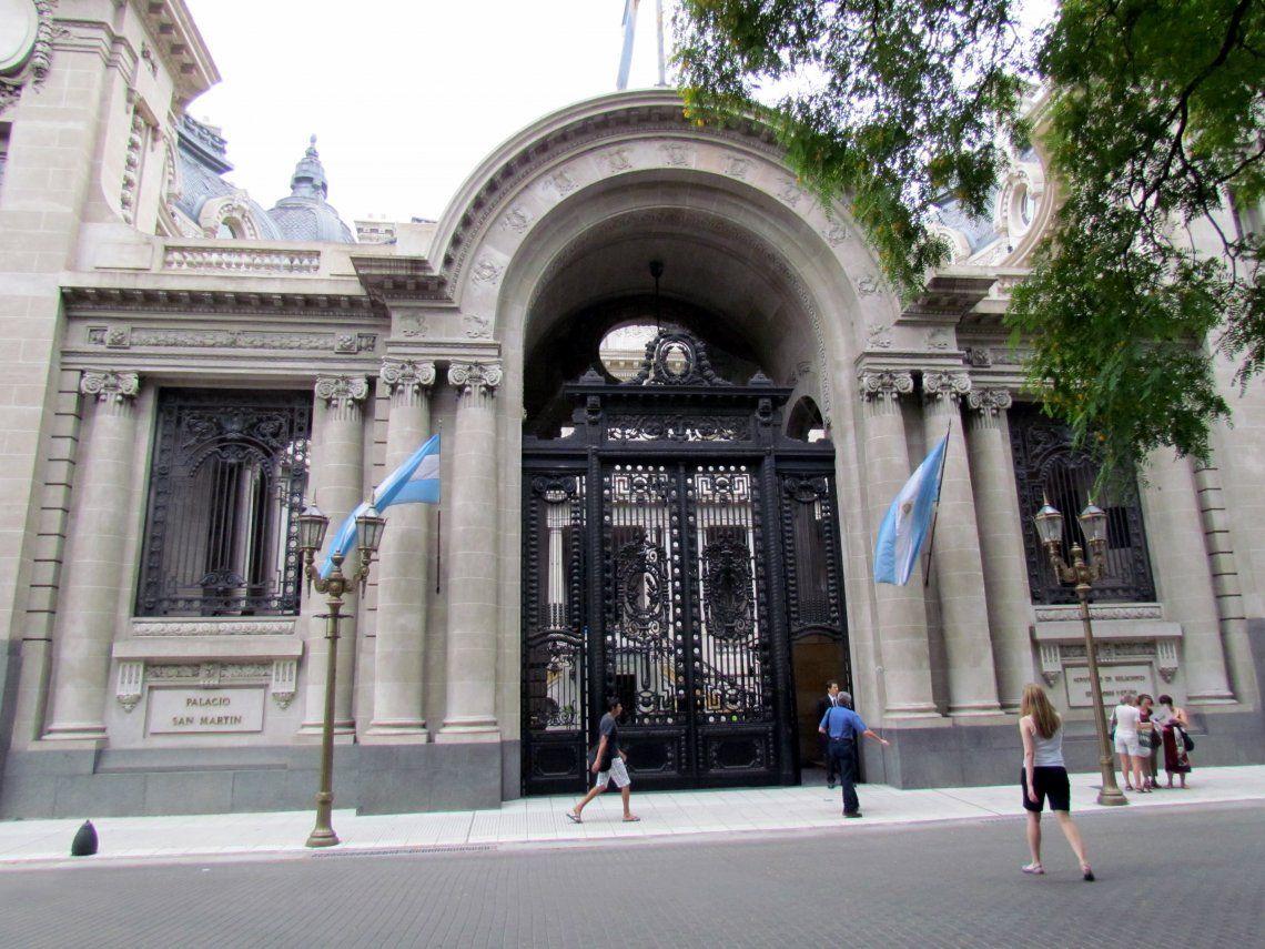 La Cancillería revocó la autorización para usar el Palación San Martín como un salón de eventos