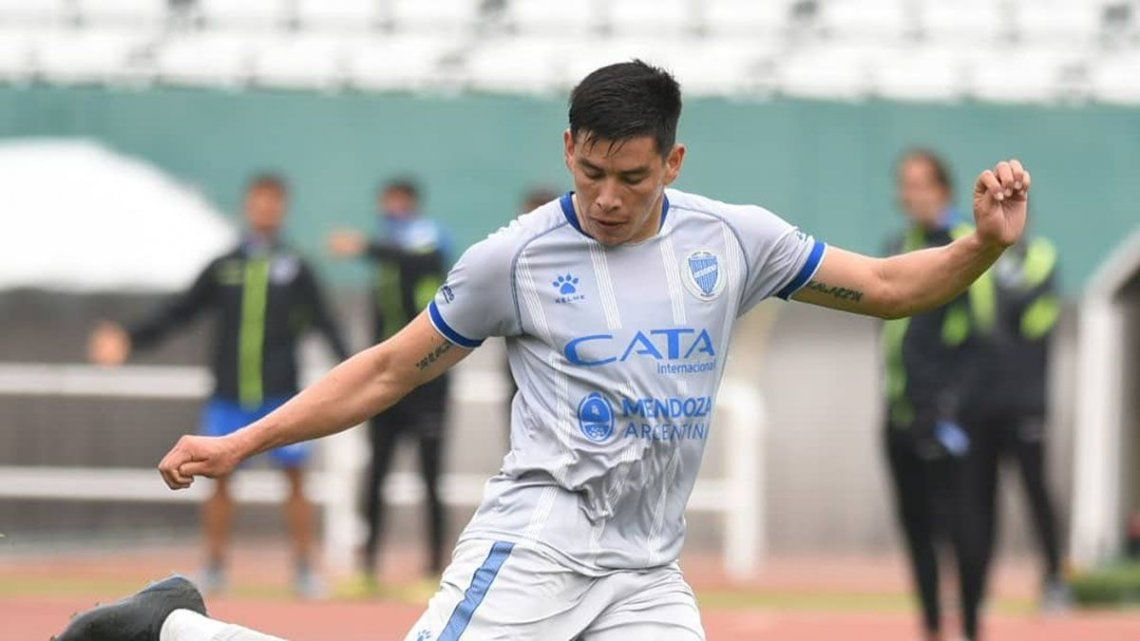 Leonel González anotó dos goles para Godoy Cruz