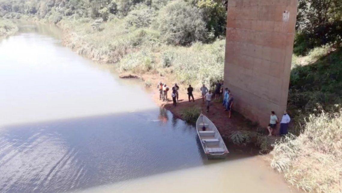 Misiones: El vehículo fue hallado debajo del puente de la ruta provincial 19 que atraviesa el arroyo Falso