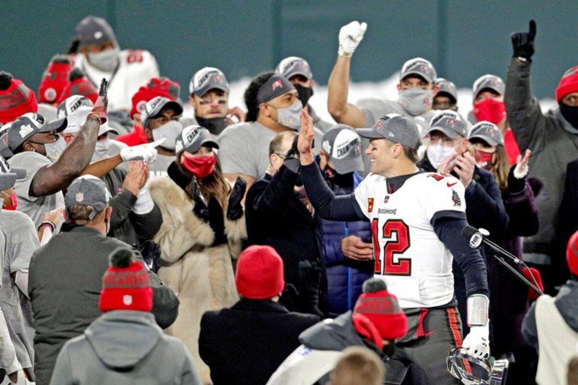 Tom Brady ganó seis anillos de Súper Bowl.