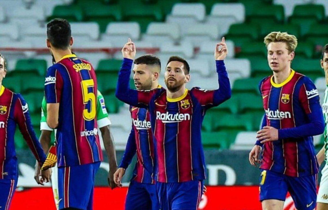Lionel Messi empató el partido cuando Barcelona caía 1-0.