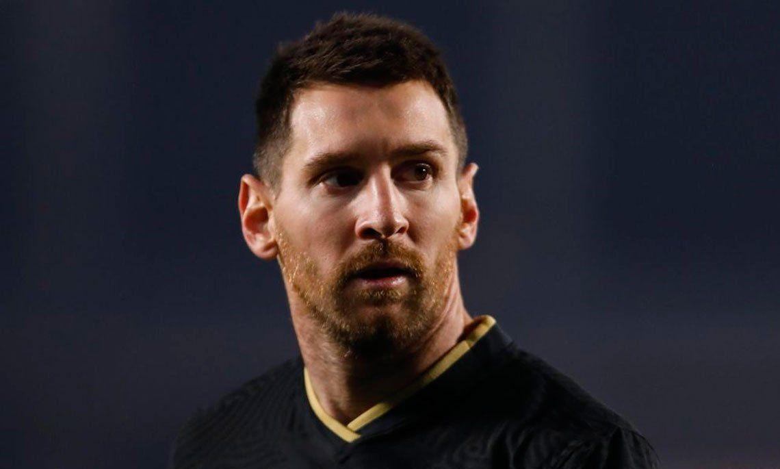 France Football ya viste a Messi con otra camiseta