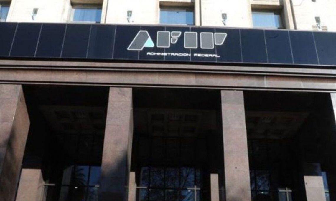 AFIP reintegra el 35% a la compra de divisas a empleados y jubilados