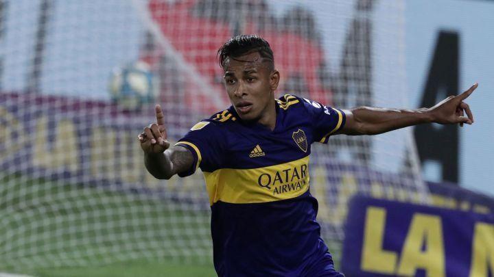 Sebastián Villa jugaría bien adelantado el domingo ante Gimnasia