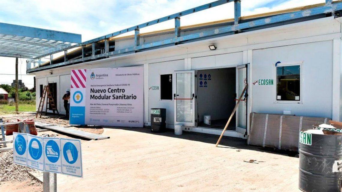 Fernández presenta los nuevos centros modulares sanitarios para el turismo