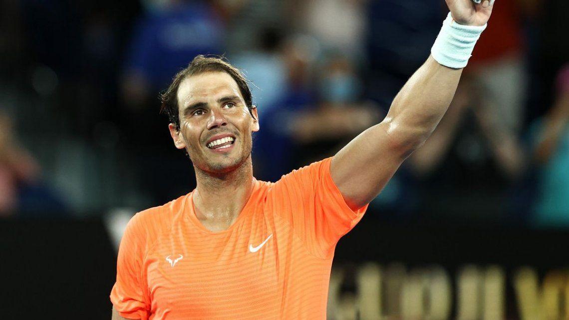 Rafael Nadal sorprendido por aficionada ebria en Australia